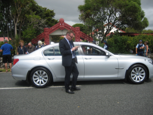 Waitangi 2013 - PM's press secretary Kevin Taylor outside car